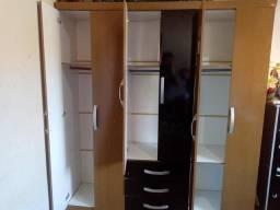 Guarda - Roupa 6 portas 3 gavetas