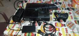 Vendo Xbox 360 com um HD de mil um controle fonte e um kinitec muito conservado