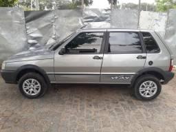 Carro bem conservado e com cinco pneus novos - 2011