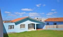 Ótima residência c/ amplo terreno em excelente localização próx ao centro !!!
