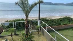Casa espetacular pé na areia com 4 suítes no Perequê Porto Belo - Cód. 10C
