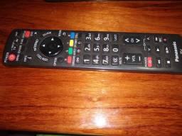 TV Panasonic TC-L42E5BG usada tela quebrada