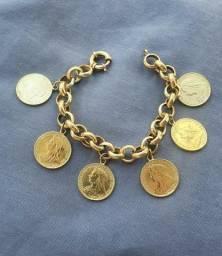 Pulseiras de ouro berloqueiras