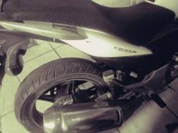 Moto honda 300 branca 30.000 klms
