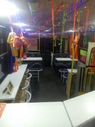 Vendo food bus