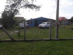 Casa no Centro de Balneário Pinhal