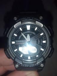 Vendo relógio Casio world time de 400 por 190 meu tel: *