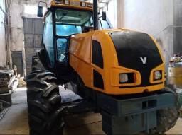Trator Agricola Valtra BM 110 ano 2010 4x4, cabine fechada