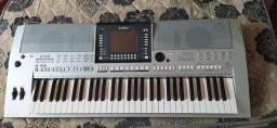 Teclado Yamaha PSR-S 710