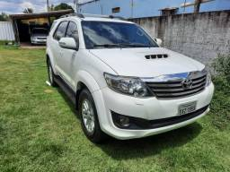 TOYOTA HILUX SW4 SRV DIESEL 2012 7 LUGARES
