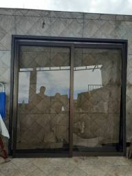 Janelão de vidro