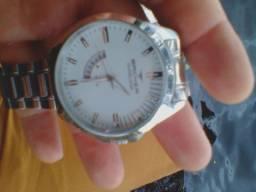 Relógio Backer semi novo todo original marcado de data