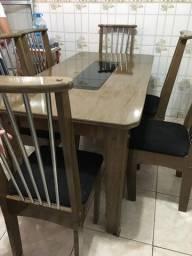 Conjunto Mesa - com 06 cadeiras - Usada
