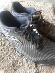 Calçados tamanho 41