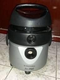 Aspirador de pó semi-novo