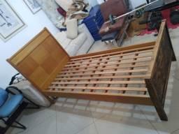 cama resistente em madeira boa