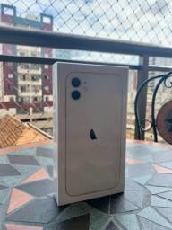 iPhone 11 64gb (Lacrado) 1 ano de garantia