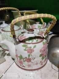 Chaleira porcelana pra chá.