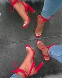 Vendo sandália usada 1 x