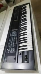 Teclado Sintetizador Workstation Roland GW 8