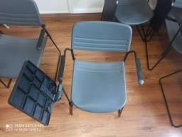 Cadeira universitária com braço
