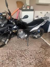 Vendo moto xre 300 2014