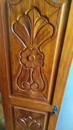 Roupeiro em madeira maciça (cerejeira)