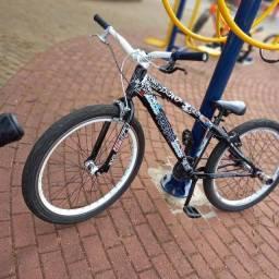 Vendo bike perifa,toda zera nem 2 meses de uso ou troco em motorizada