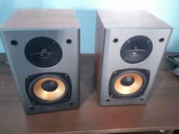 Par de Monitores Edifier R1000t4 24w Rms