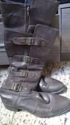 Vendo bota 50 reais N 38