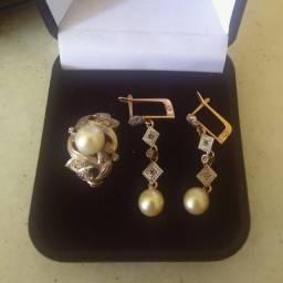 "Conjunto ""Anos 50"" de ouro e pérolas verdadeiras - anel e brincos - Dispenso Golpistas!!!"