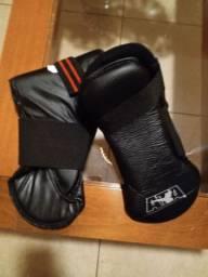 Proteção de pés e canelas para Taekwondo