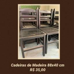 Título do anúncio: Cadeira de Madeira usada
