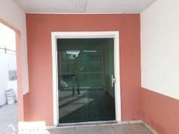 AP Centro Manacapuru 1 quarto com suíte, sala, cozinha e garagem. R$600