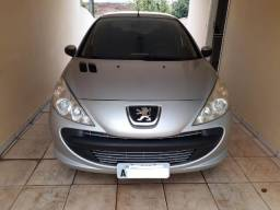 Peugeot 207 1.4 Completo - 2011
