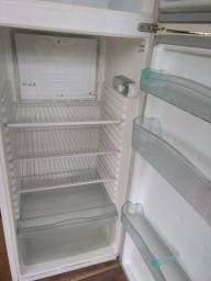 Refrigerador Biplex Consul