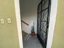 Apartamento para alugar com 2 dormitórios em Pinheirinho, Curitiba cod:00057.001