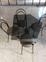 Mesa vidro com 4 cadeira