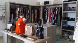 Loja roupas cosméticos e acessórios