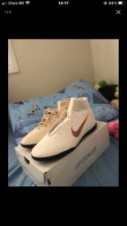 Chuteira Nike de futsal