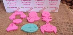 Lembrancinhas personalizadas de sabonetes artesanais