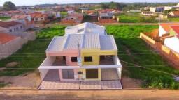 02 Casas 106 m² cada, ambas c/ 2 quartos (1 suite) banheiro social,sala,cozinha,corredor,