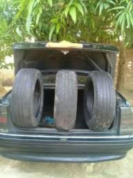 Vendo três pneus novos para Aro 16