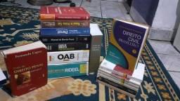 18 Livros de Direito(parcelo)+3 de concurso