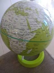 Globo giratório verde   Decoração