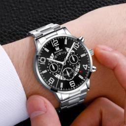 Relógio Masculino de Luxo prata com fundo Preto