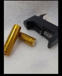 Título do anúncio: Carregador + 2 baterias 18650