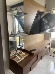 Painel de TV em madeira maciça com espelho