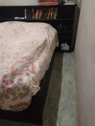 Vendo cama de casal/ sem o colchão
