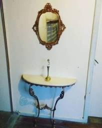 Conjunto de Espelho e Aparador
